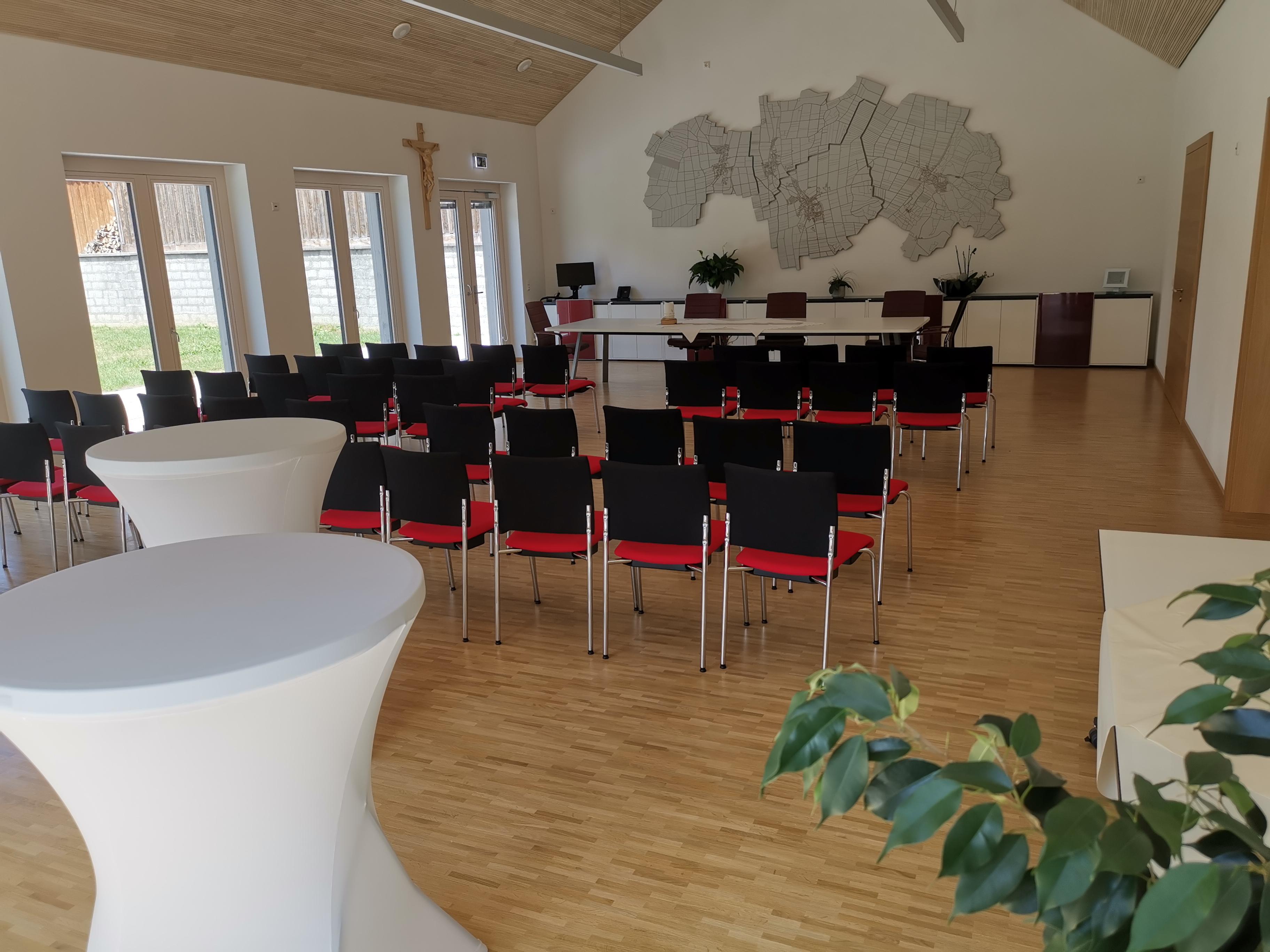 Sitzungs- und Trauungssaal Oberostendorf